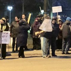 "Downtown Flint ""Impeach Trump"" rally draws spirited protesters on cold night before the vote"